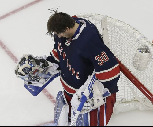 Henrik Lundqvist leads New York Rangers to win vs. Boston Bruins
