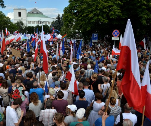 Thousands protest against judiciary reforms in Poland