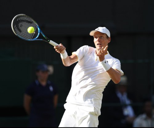 ATP Mexico: Top seeds Tomas Berdych, Sam Querrey advance