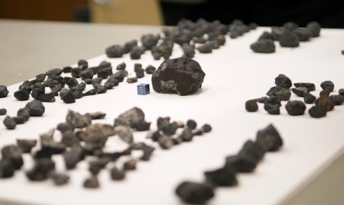 Chicago museum displays fragments of meteor that exploded over Russia