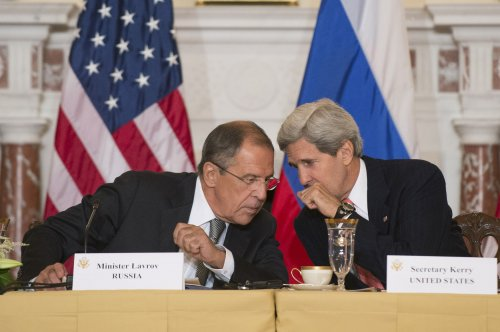Kerry warns Russian foreign minister not to interfere in Ukraine