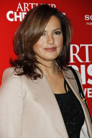 Mariska Hargitay, Cyrus Vance announce $35M commitment to test rape kits nationwide