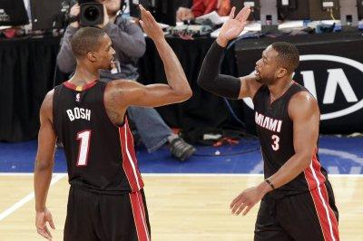 Bosh, Deng power Miami Heat over Sacramento Kings