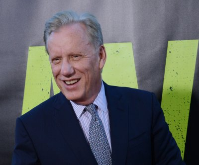 Actor James Woods trying to unmask Twitter user over cocaine insult