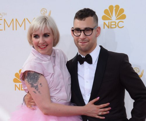 Lena Dunham receives anniversary ring from Jack Antonoff