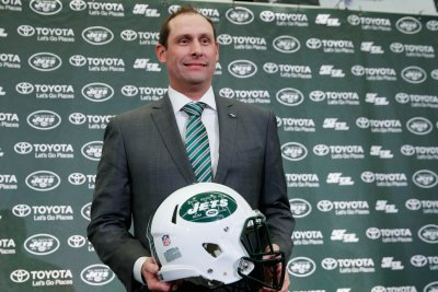 Jets coach Adam Gase having 'fun' watching Le'Veon Bell highlights