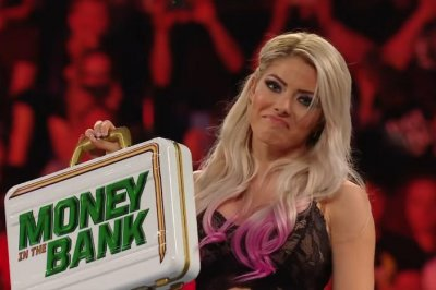 WWE's Alexa Bliss not medically cleared for Money in the Bank