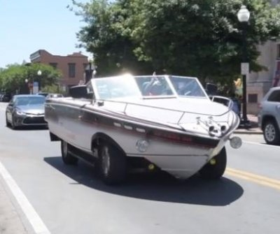 Florida man converts boat and SUV into head-turning 'boat car'