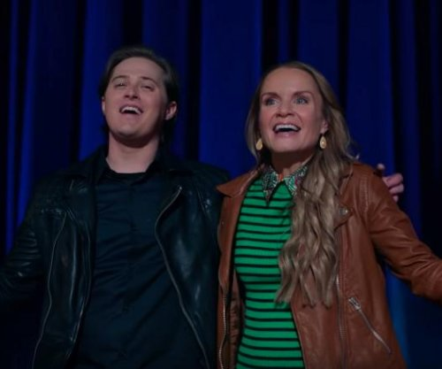 Lucas Grabeel sings in 'High School Musical: The Musical: The Series' cameo