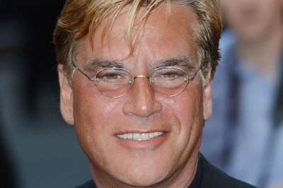 Aaron Sorkin fires back at Apple CEO over 'Steve Jobs' criticism