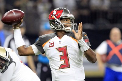 Jameis Winston texts Tampa Bay Buccaneers WRs: 'Awesome game!'