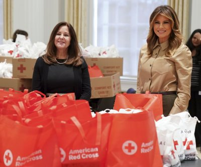 Melania Trump, Karen Pence pack holiday comfort kits for overseas troops