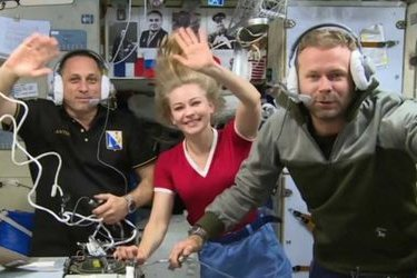 Russian space movie crew plans return to Earth on Saturday
