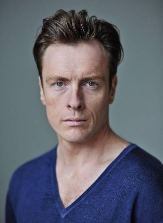Stephens to star in TV's 'Black Sails'