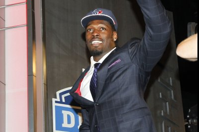 Houston Texans OLB Jadeveon Clowney out with ankle injury