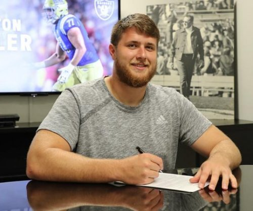 Oakland Raiders sign first-round pick Kolton Miller