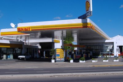 Shell Argentina invests to increase shale output after selling downstream assets