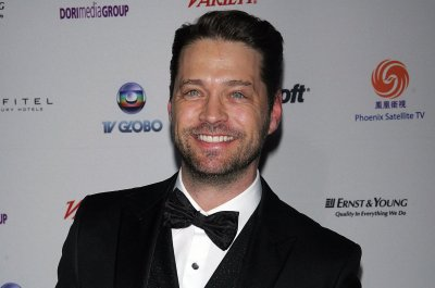 Jason Priestley: 'Beverly Hills, 90210' reboot will be 'very different' but 'satisfying'