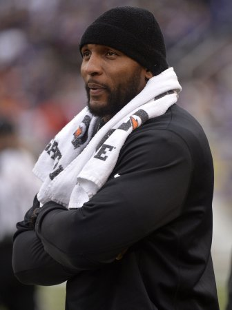 Ray Lewis reportedly to sign with ESPN