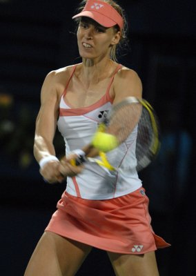 Dementieva keeps on Istanbul win track