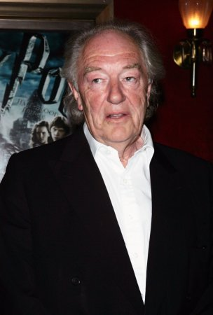 Gambon returns to West End stage