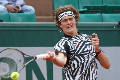 Alexander Zverev stuns Stan Warinka to advance at Basel