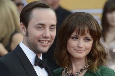 Alexis Bledel says new 'Gilmore' episodes are 'almost like getting a do over'