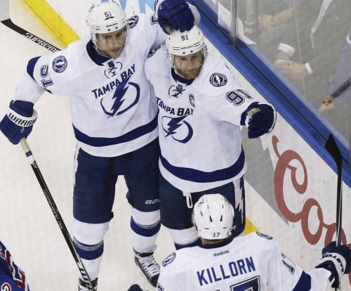 Steven Stamkos joins Tampa Bay Lightning teammates for morning skate
