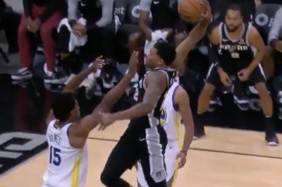 Spurs' Rudy Gay completes devastating dunk vs. Warriors