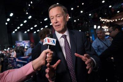 2020 candidate Hickenlooper unveils plan to strengthen rural U.S.