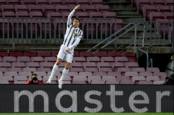 Ronaldo, Juventus beat Messi, Barcelona to win Champions League Group G