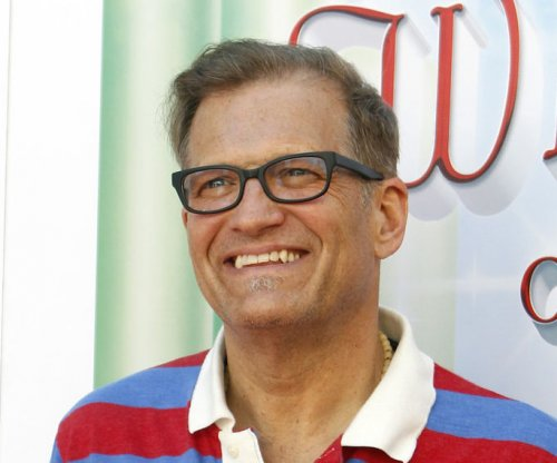 Drew Carey to welcome Ethan Hawke, Alyssa Milano as 'Late Late Show' guests