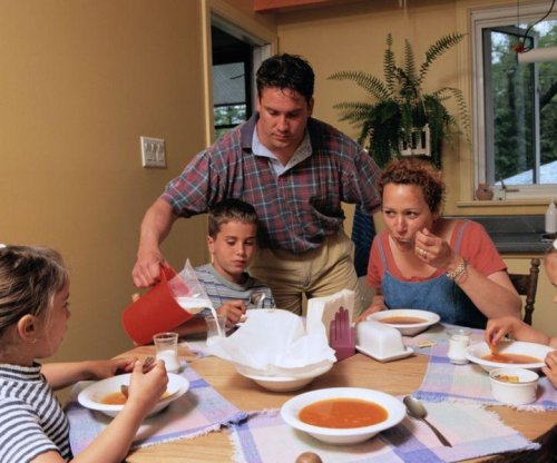 Late dinners won't doom kids to obesity
