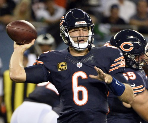 "Jay Cutler: Chicago Bears coach John Fox ""done"" with QB"