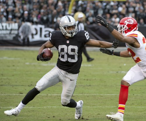 Oakland Raiders to exercise option on WR Amari Cooper