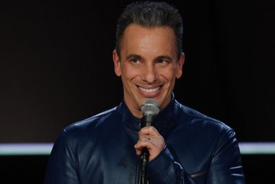 Comedian Sebastian Maniscalco gets dramatic in 'Green Book,' 'Irishman'