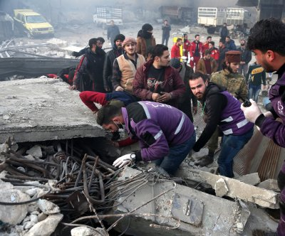 Syrian airstrikes kill 21 despite truce, watchdog says