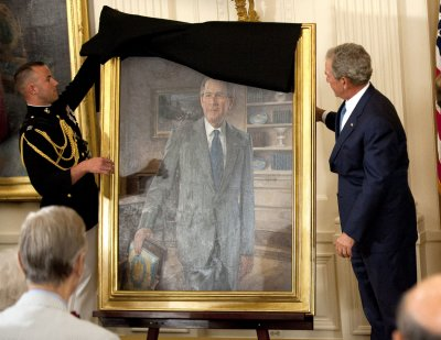 Obamas welcome Bushes for portrait unveilings