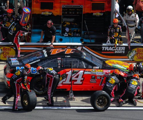 Tony Stewart crashes early in the Daytona 500