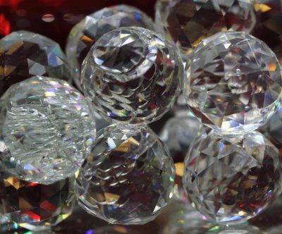 Missing link between glass formation and crystallization found