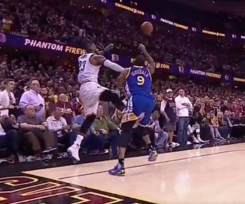 LeBron James pulled a Draymond Green on final shot against Golden State Warriors