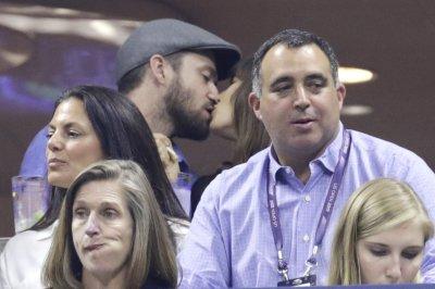 U.S. Open: Justin Timberlake, Jessica Biel enjoy tournament, kissing