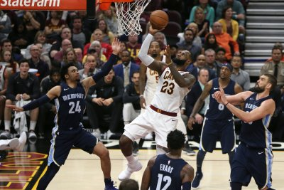 Cavs' LeBron James on cusp of breaking Michael Jordan's record