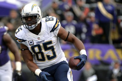 Chargers TE Gates optimistic to play in opener