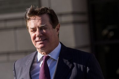 Mueller: Manafort lied about contacts with Trump administration, Russian ties