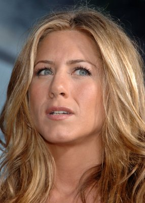 Aniston seen on tour with Mayer