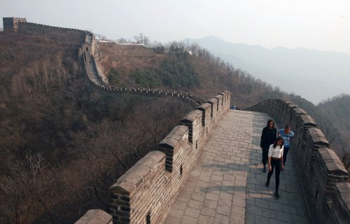 Michelle Obama and her daughters visit the Great Wall of China