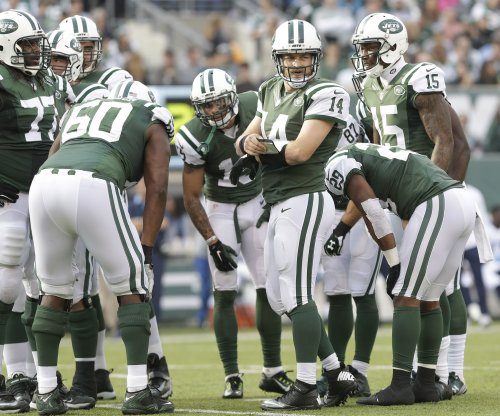 New York Jets looking for 'middle ground' in Ryan Fitzpatrick contract negotiations