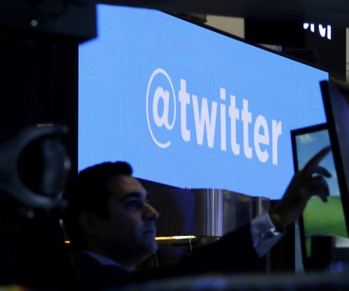 Twitter locks 32 million accounts after password leaks