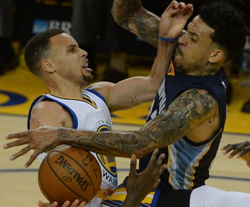 Golden State Warriors sign, release Jose Calderon with Matt Barnes deal looming